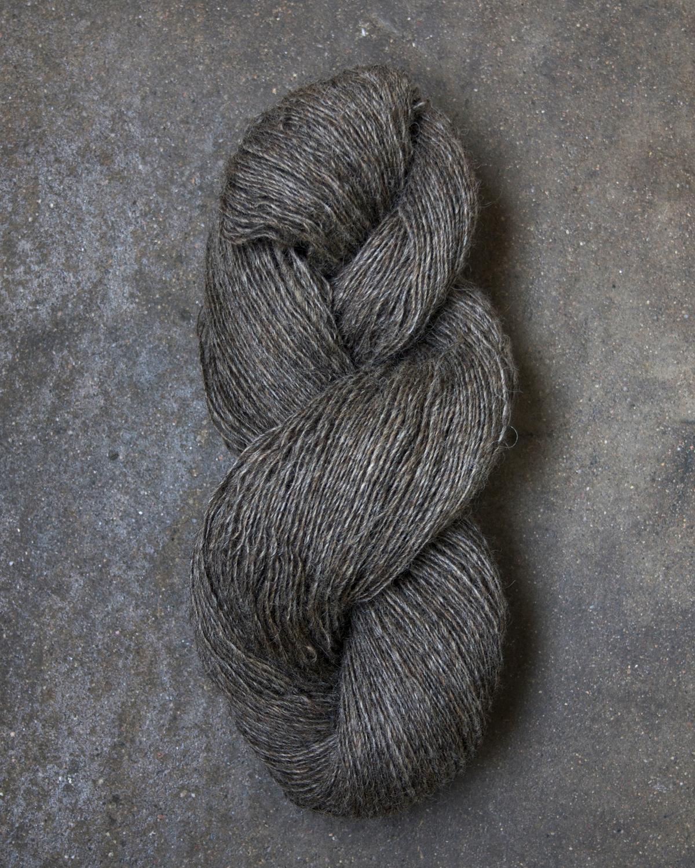 Filtmakeriets klassiska ullgarn Brungrå 1-trådigt 100 % svensk fårull
