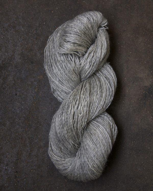 Filtmakeriets klassiska ullgarn Ljusgrå 1-trådigt 100 % svensk fårull