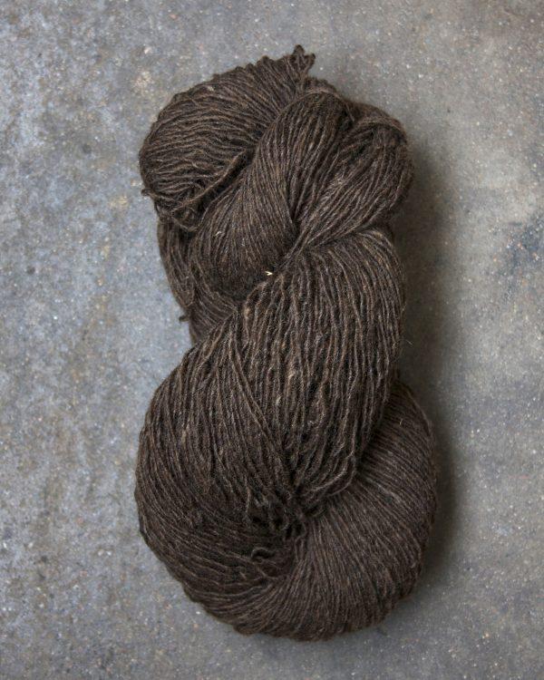 Filtmakeriets finullsgarn Mörkbrun 1-trådigt 100 % svensk fårull