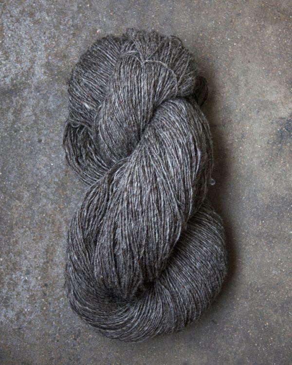 Filtmakeriets finullsgarn Varmgrå 2-trådigt 100 % svensk fårull