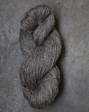 Filtmakeriets klassiska ullgarn Brungrå 2-trådigt 100 % svensk fårull