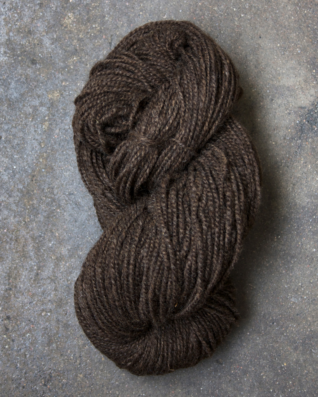 Filtmakeriets finullsgarn Mörkbrun 2-trådigt 100 % svensk fårull