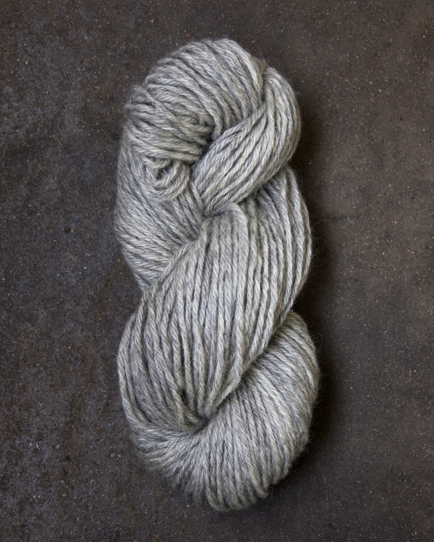 Filtmakeriets klassiska ullgarn Ljusgrå 3-trådigt 100 % svensk fårull