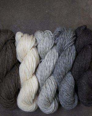 Filtmakeriets klassiska ullgarn 3-trådigt 100 % svensk fårull
