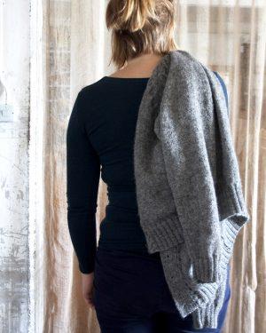 Cardigan med raglanärm från 60-talet Klassikt 2-tr Grå 100 % svensk fårull