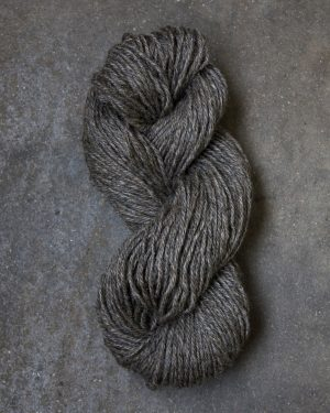 Filtmakeriets klassiska ullgarn Brungrå 4-trådigt 100 % svensk fårull