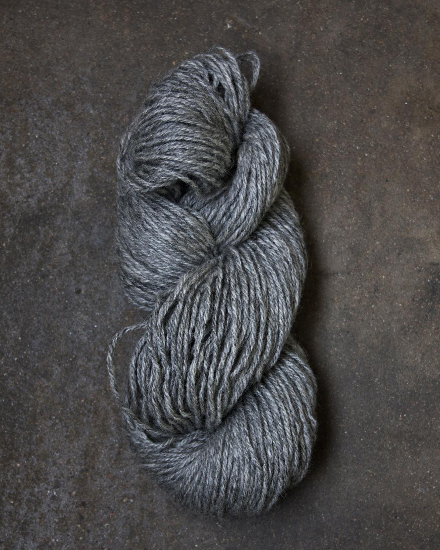 Filtmakeriets klassiska ullgarn Grå 4-trådigt 100 % svensk fårull