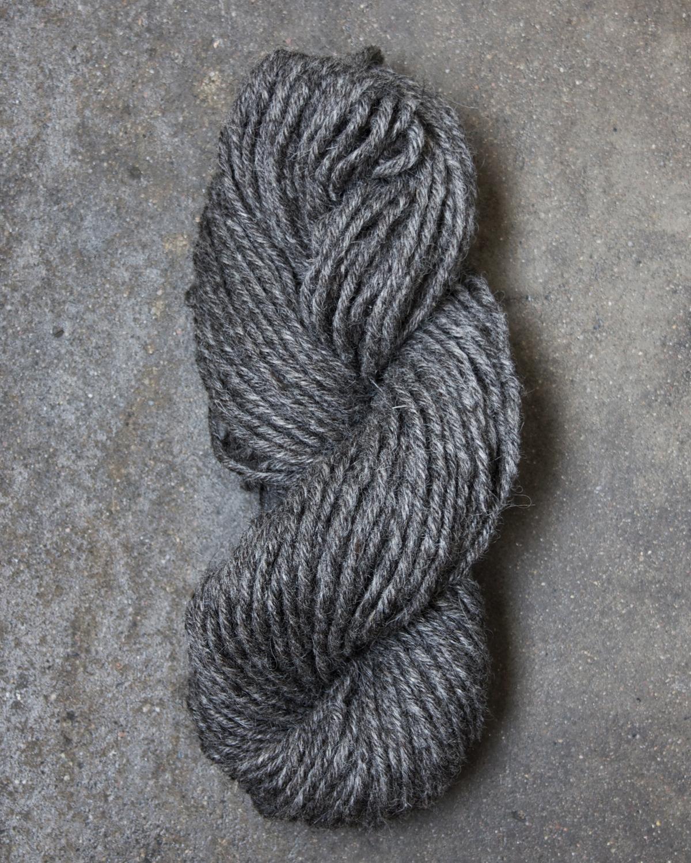 Filtmakeriets mattullgarn Varmgrå 8-trådigt 100 % svensk fårull