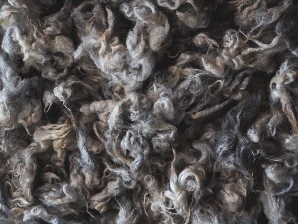 Filtmakeriets Helsinge-/gestrikeull Gråmelerad 100 % svensk fårull