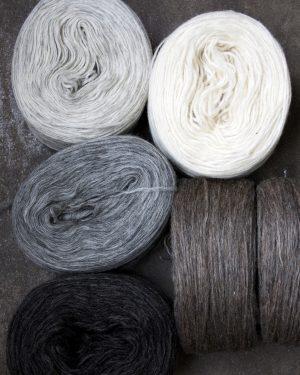 Filtmakeriets klassiska förgarn 5 naturfärger 100 % svensk fårull