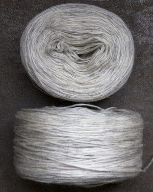 Filtmakeriets klassiska förgarn ljusgrå 100 % svensk fårull