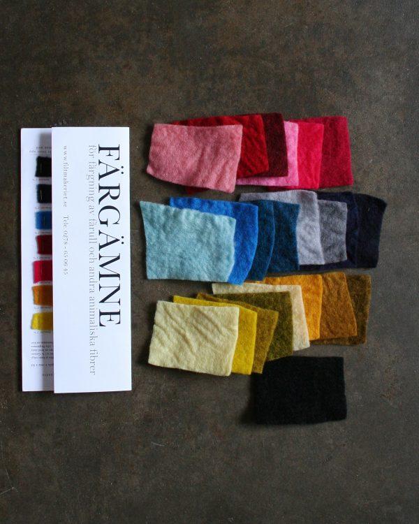Provkarta på 7 Färgämnen i 2 olika styrkor för fårull och andra animaliska fibrer från Filtmakeriet