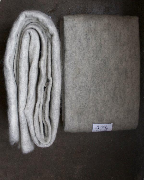 Filtmakeriets LECA ljusgrå. Nålfilt för tovning av 100 % svensk fårull