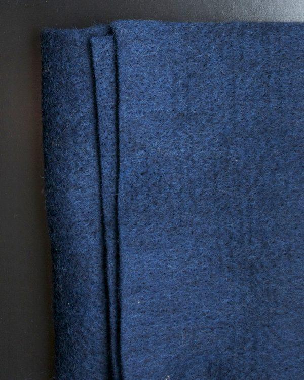 CLEO Mörkblå nålfilt Filtmakeriet