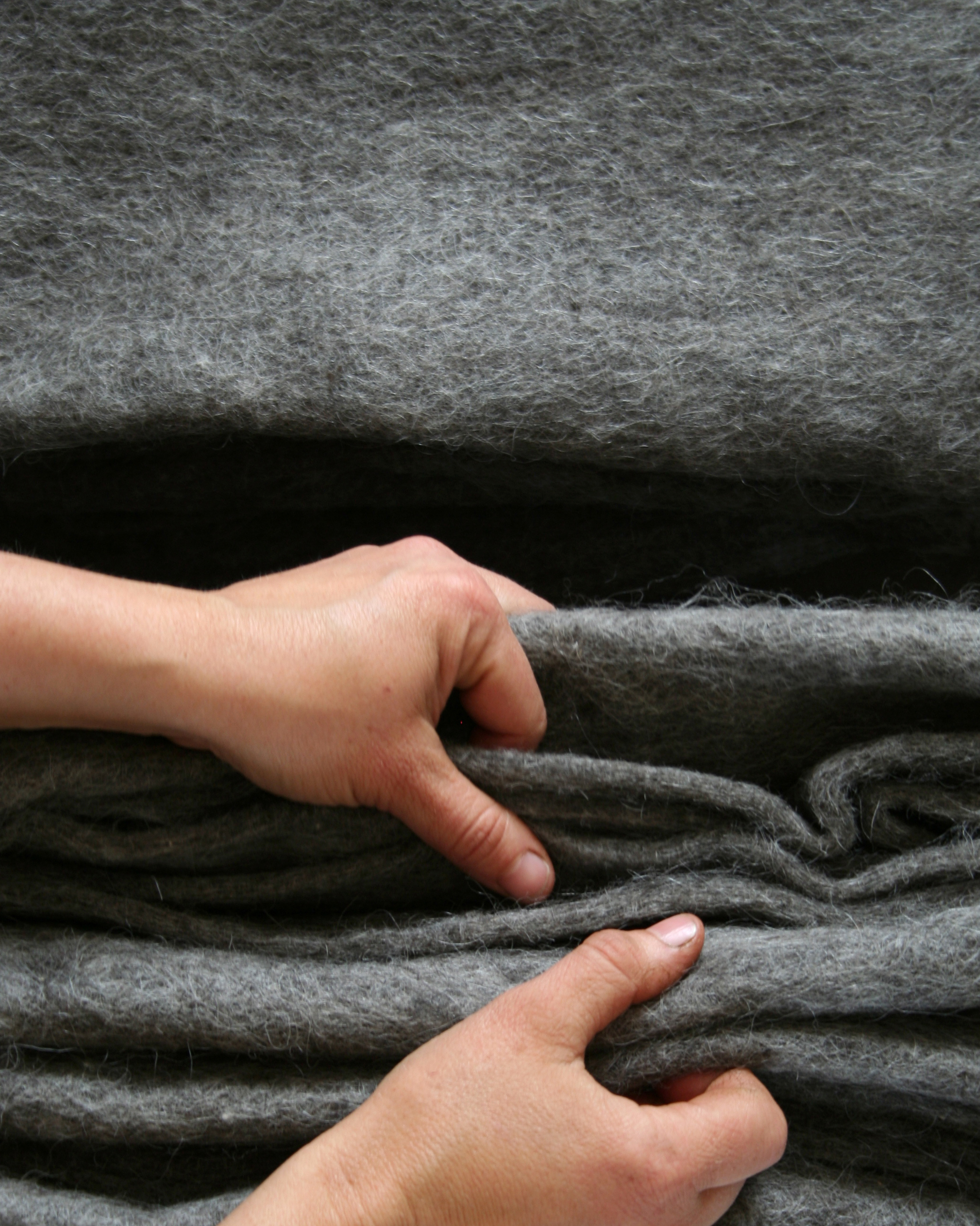 Filtmakeriets SVIA grå. Nålfilt för tovning av 100 % svensk fårull